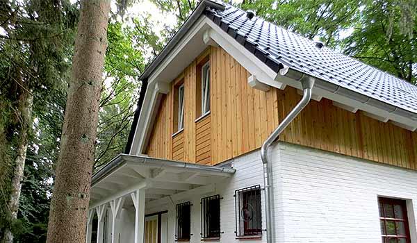 Aufstockung eines Familienhaus durch ein weiteres Stockwerk.