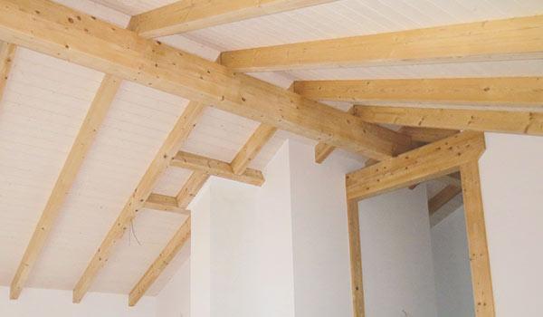 Die Erstellung eines Dachstuhls.